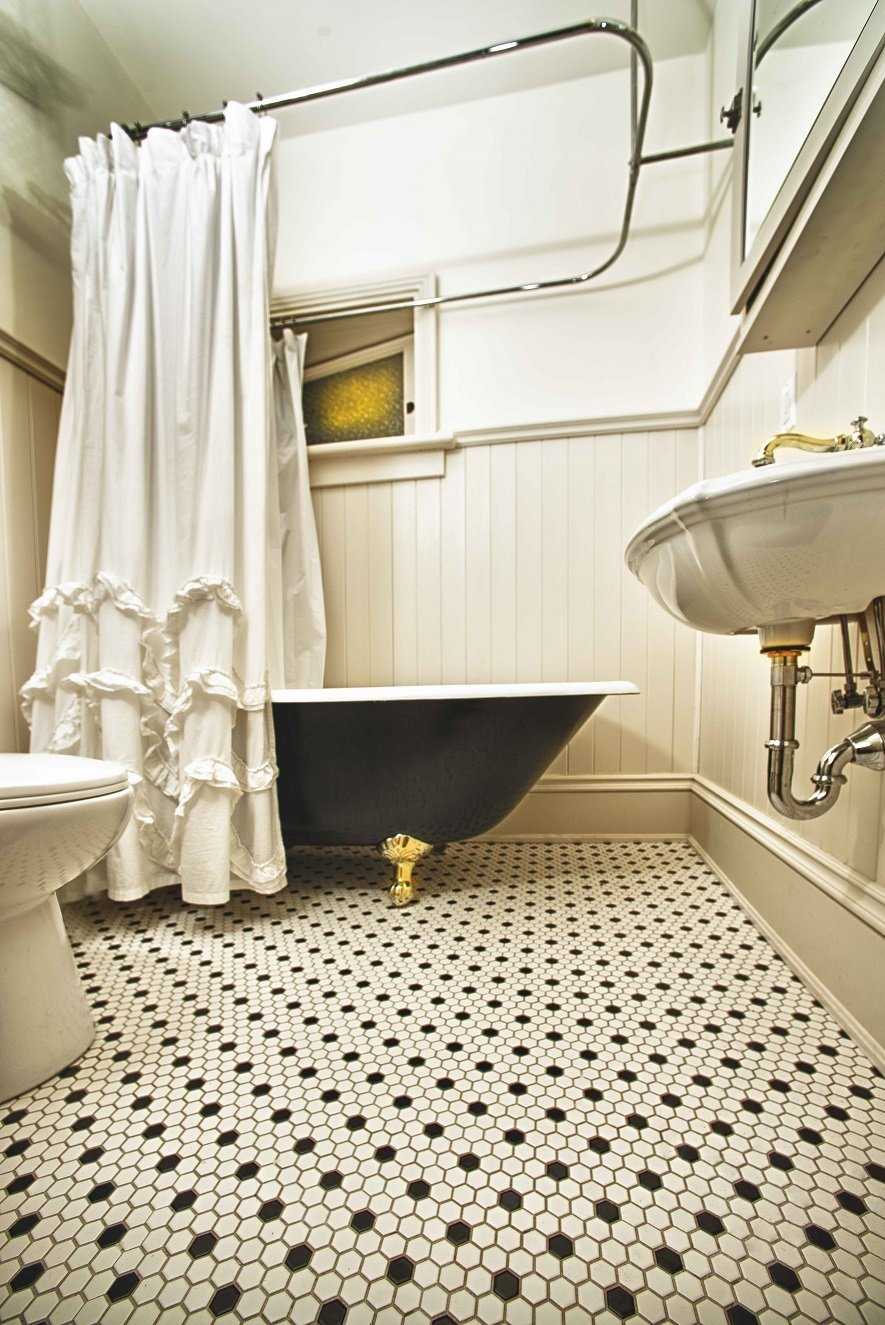 Retro Bathroom Flooring Ceramic Decor