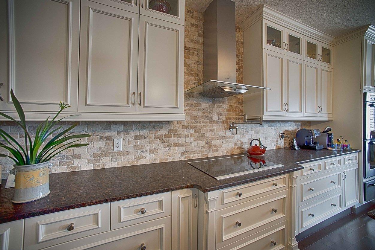 natural stone kitchen backsplash | ceramic decor
